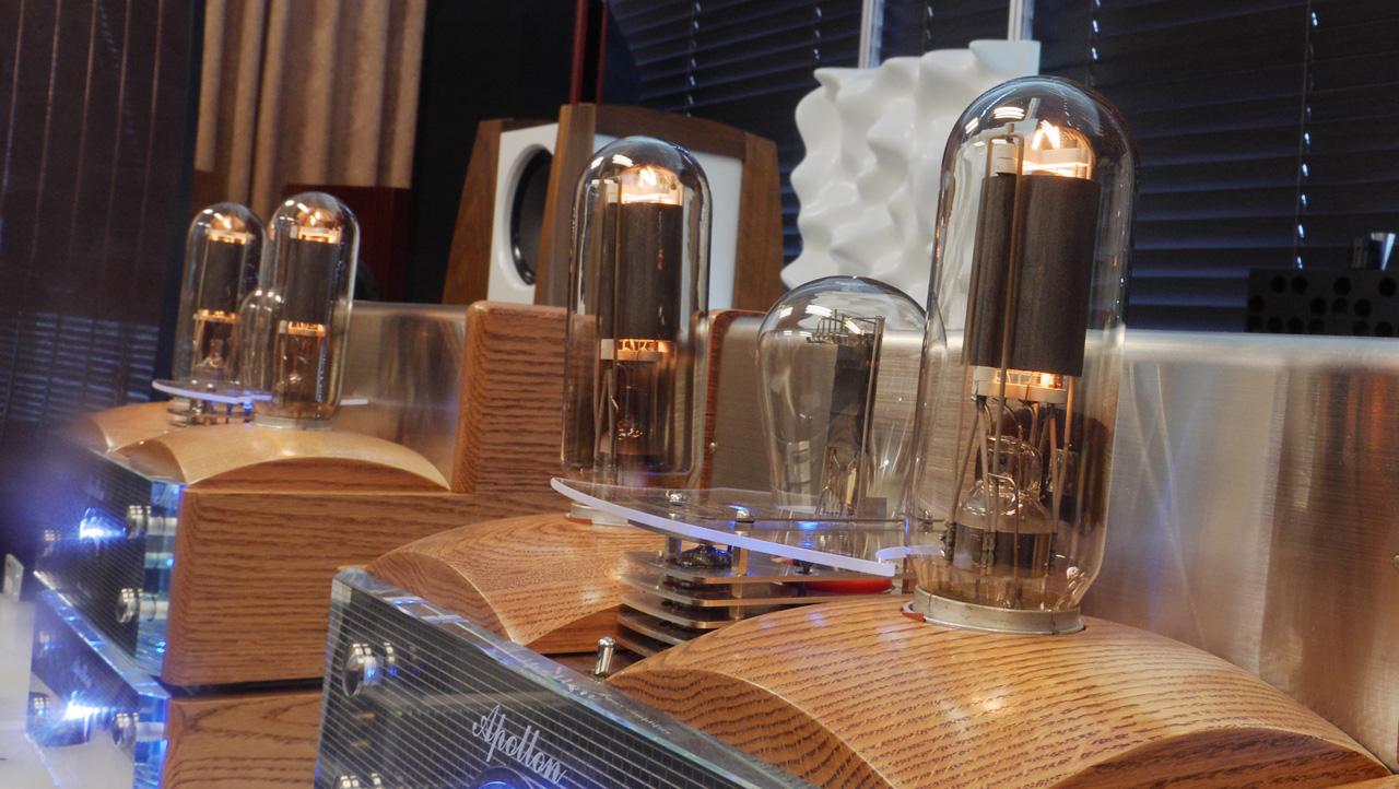 apollon-daphne-power-amplifier-side-view